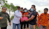 UAR Al-Fatah Distribusikan 1500 Nasi Bungkus Untuk Korban Banjir Bekasi